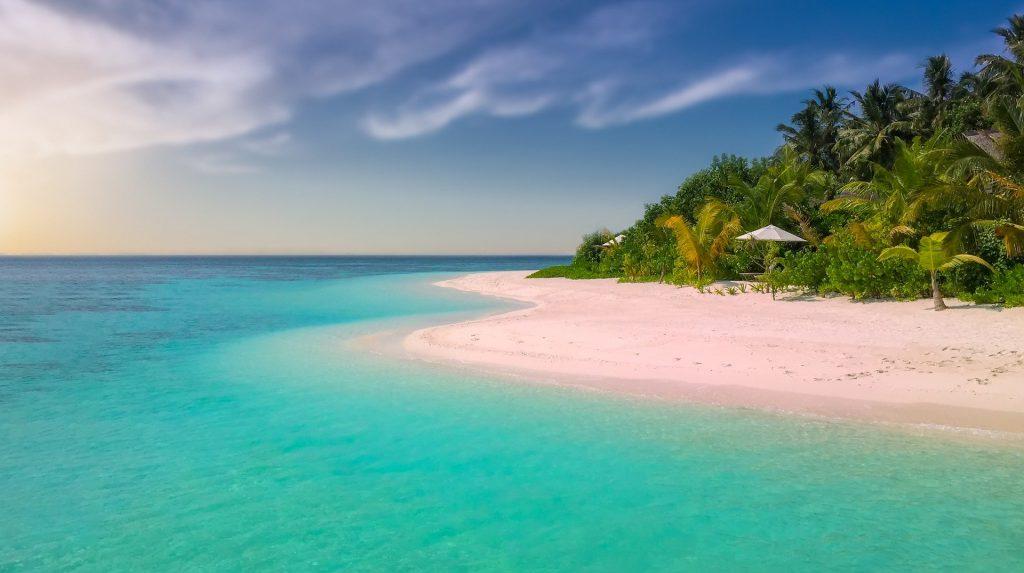 beach-1761410_1920-1024x573